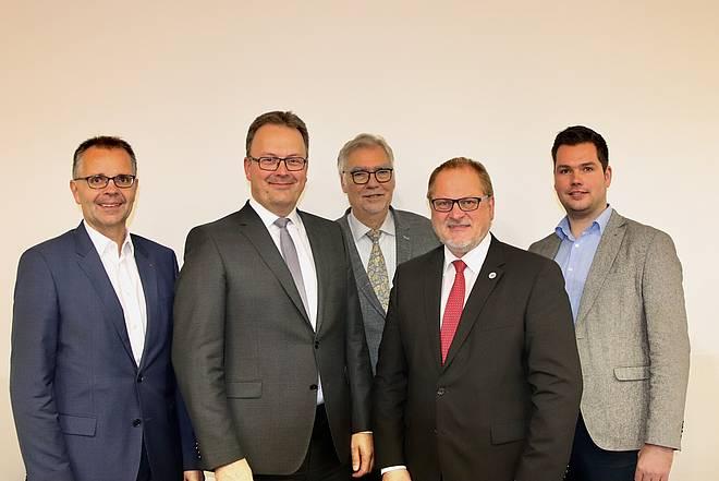 Vorstand: v.l.n.r. Christian Schedding, Jens Strebe, Prof. Dr. Winfried Hardinghaus, Rainer Ellermann, Pascal Alfers Es fehlt Dr. Ulrich Billenkamp