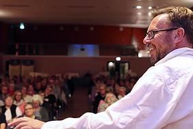 Lesung & Storytelling mit Bestsellerautor Udo Schroeter in der KLVHS Oesede